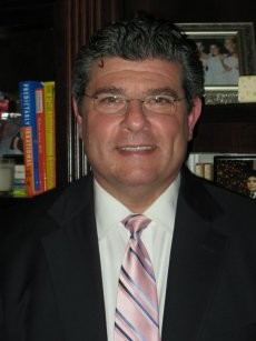 Dr. Andrew M Prince, MD